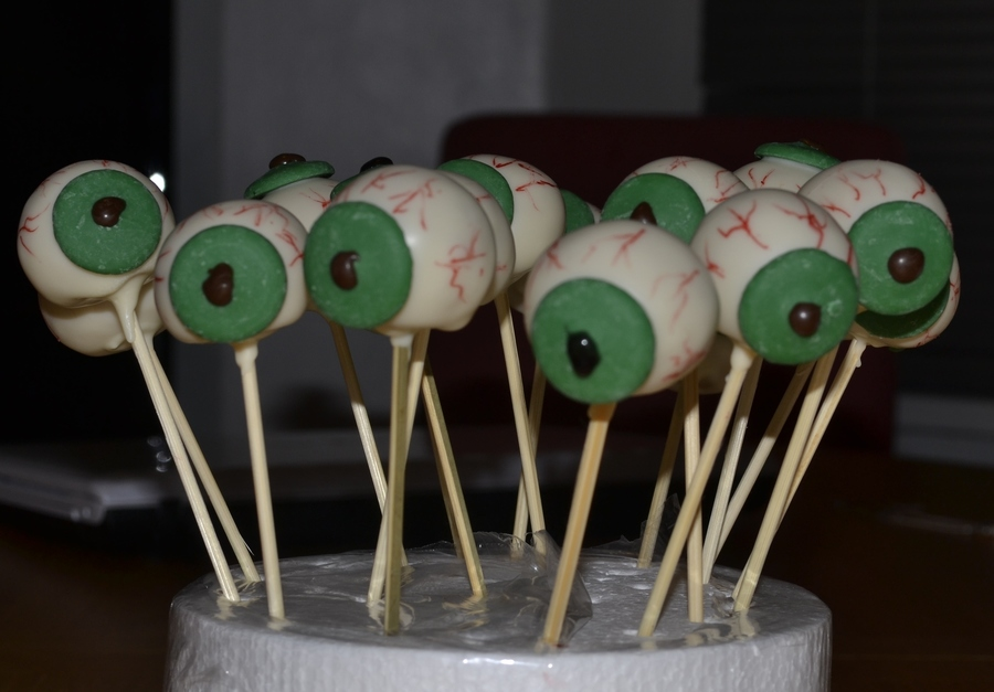 Happy Halloween! My Eyeballs Cakepops! on Cake Central