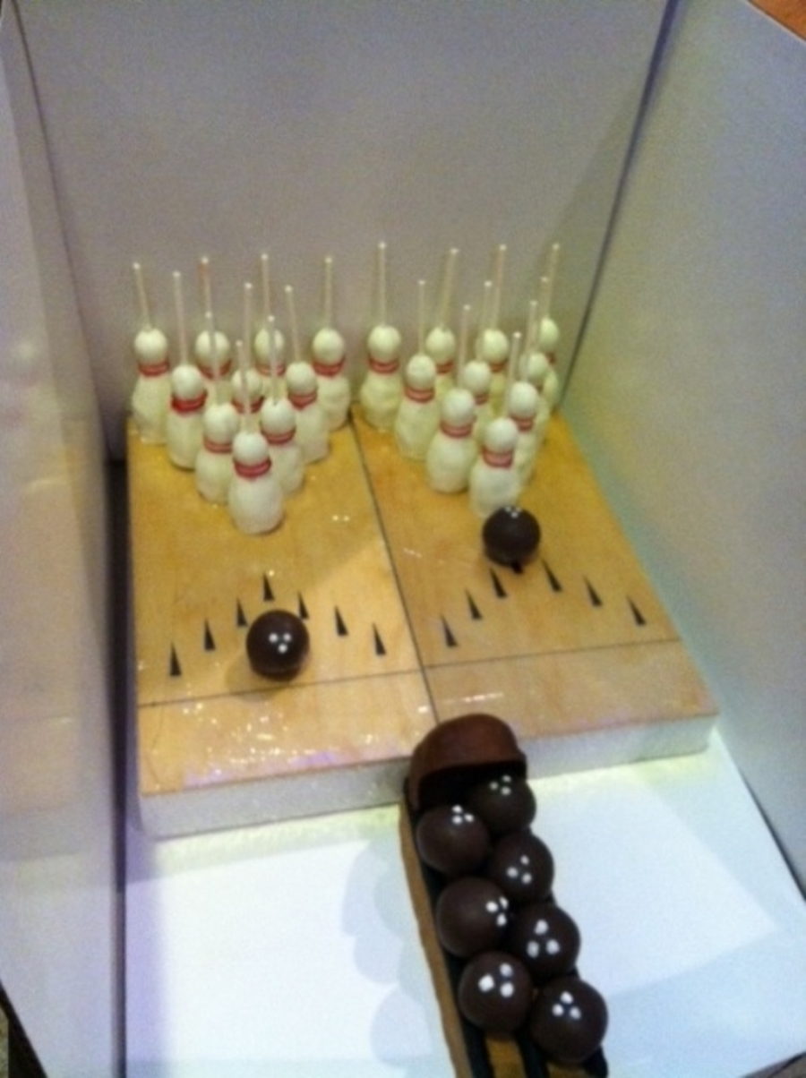 Bowling Themed Cake Pops  on Cake Central
