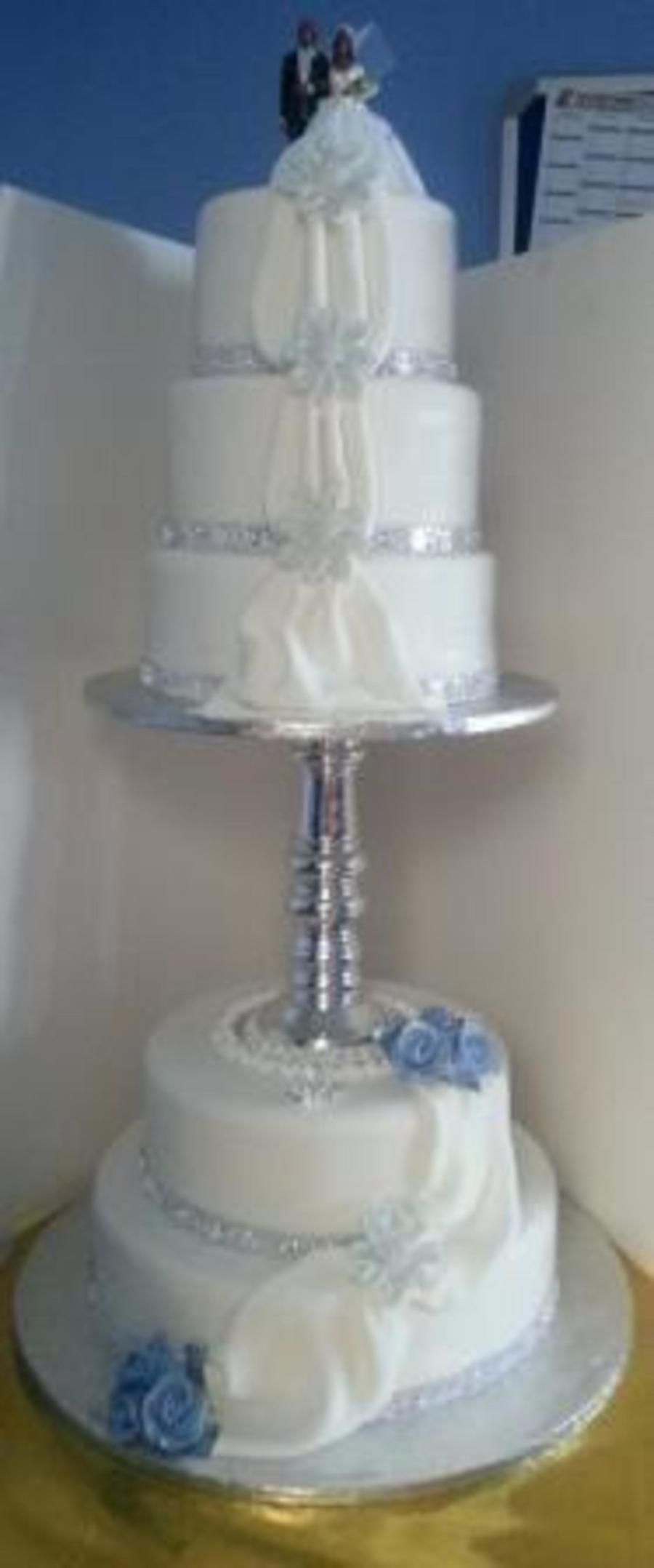 wedding cake dividers 5tier wedding cake with divider cakecentral 8633