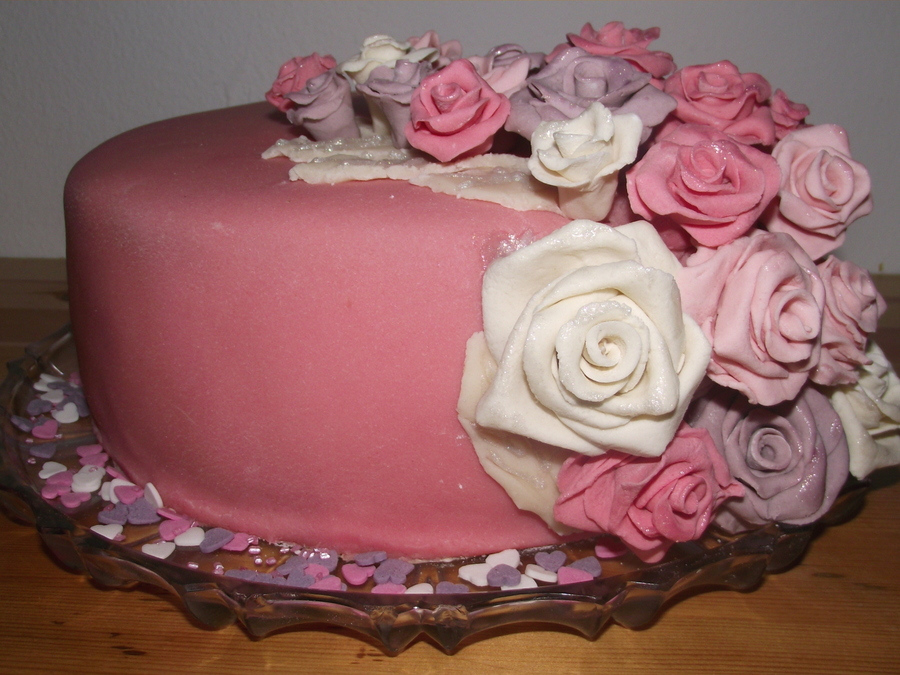 Pink Cake With Roses on Cake Central