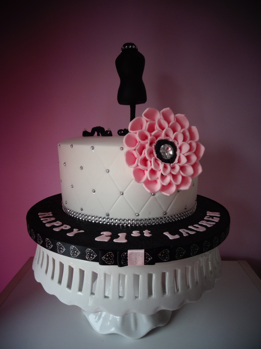 Outstanding Fashion Inspired Birthday Cake Cakecentral Com Personalised Birthday Cards Veneteletsinfo
