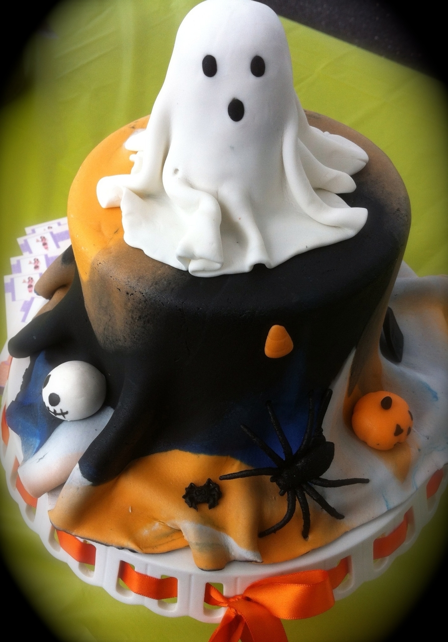 Spooky Ghost on Cake Central