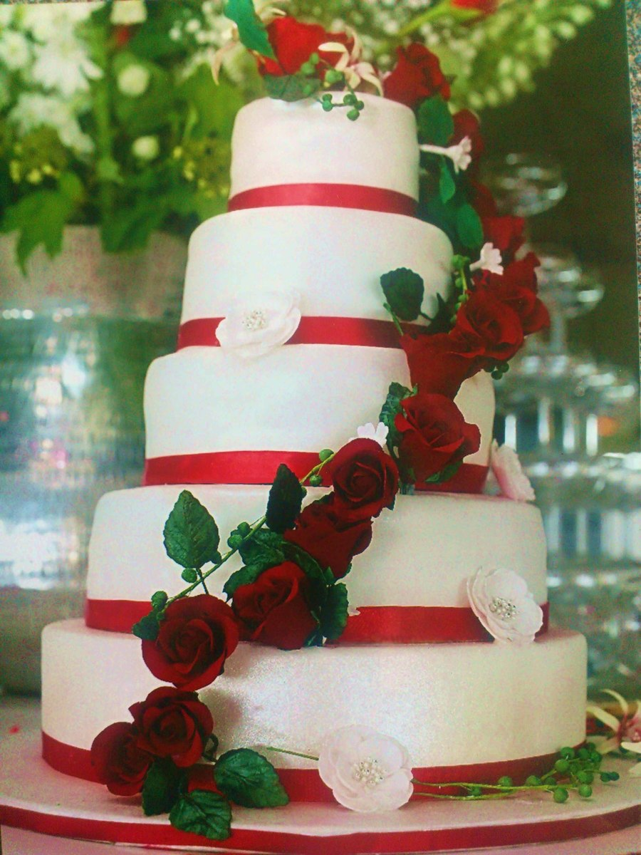 White Wedding Cake With Red Roses Cakecentral