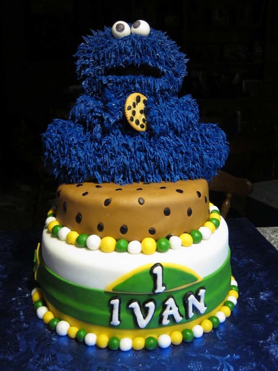 Wondrous Cookie Monster First Birthday Cake Cakecentral Com Funny Birthday Cards Online Elaedamsfinfo