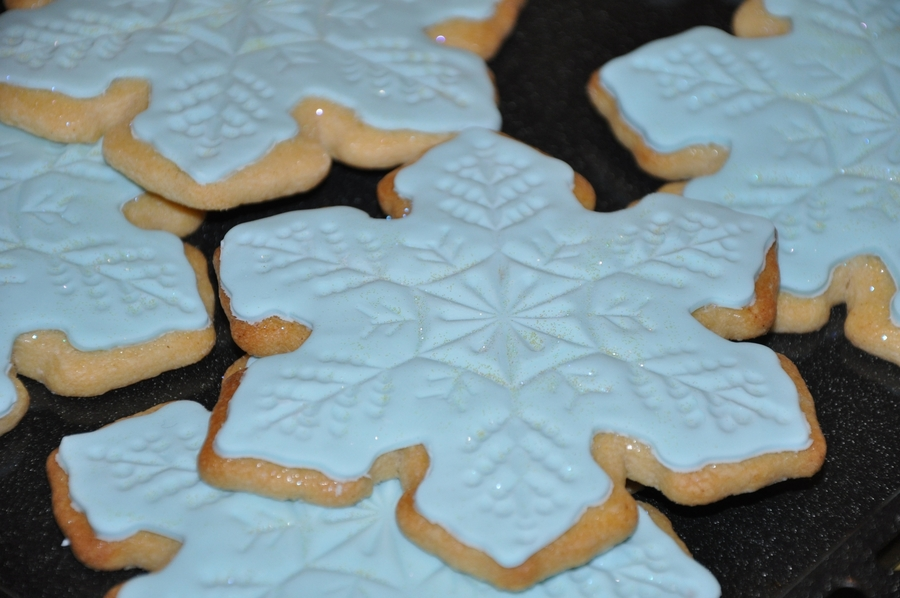 Snowlake Cookies on Cake Central
