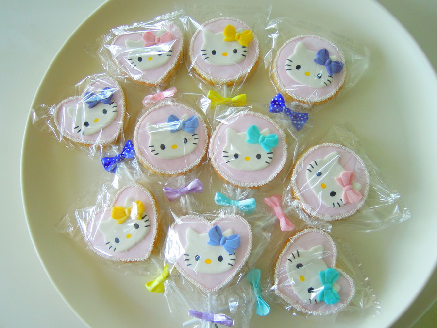 Hello Kitty Coolies  on Cake Central
