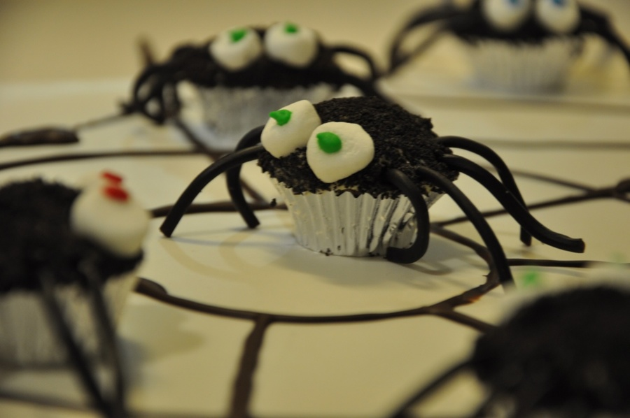 Spiders on Cake Central