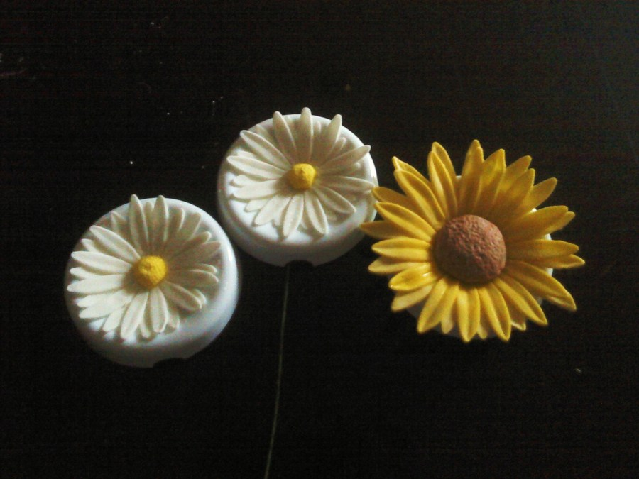 Daisies/sunflower on Cake Central