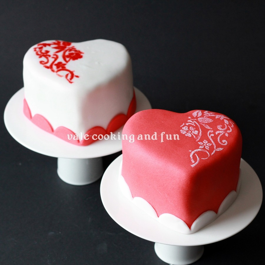 Mini Cakes Valentine S Hearts Cakecentral Com