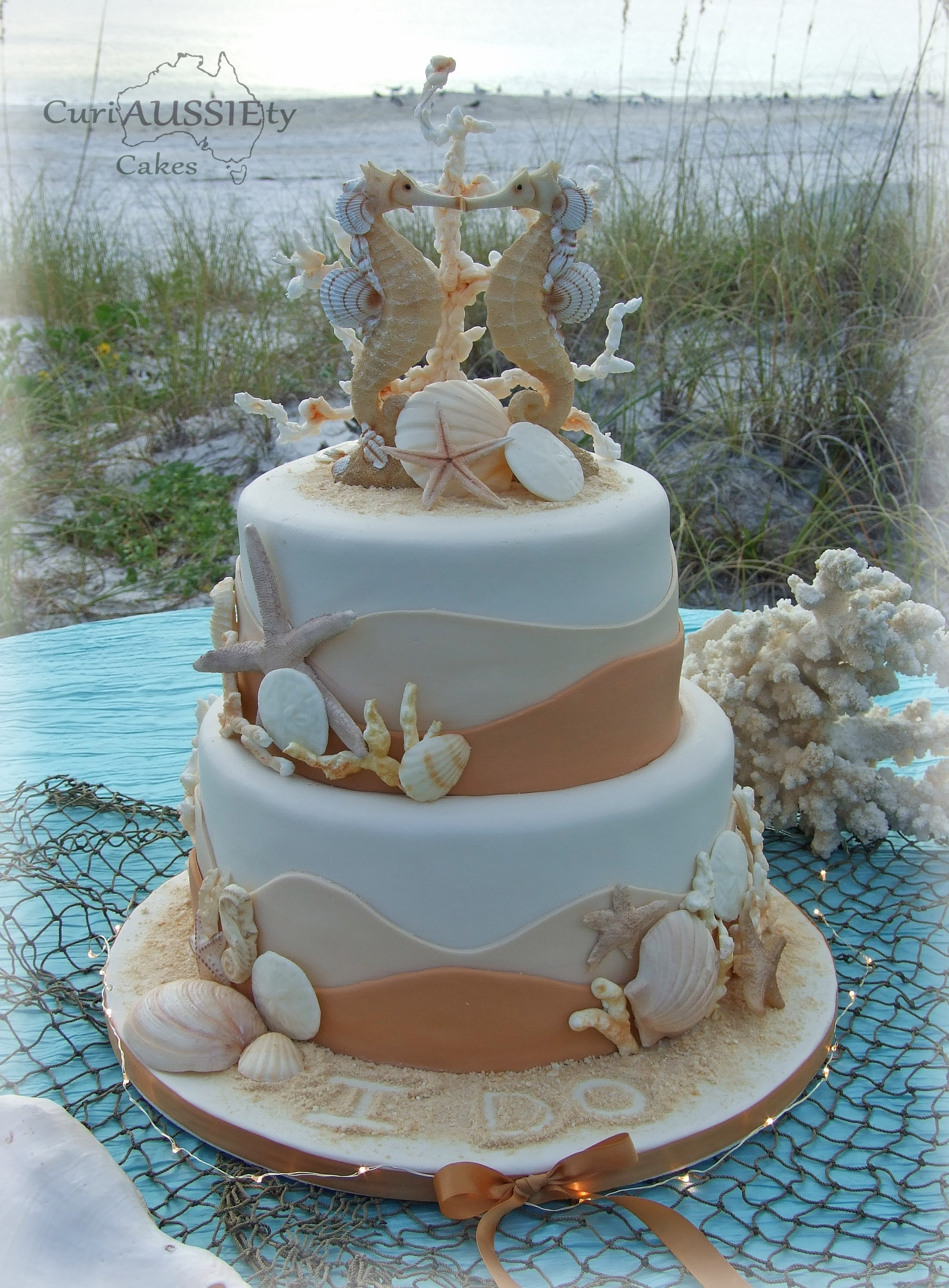 39 sea horse 39 beach theme wedding cake. Black Bedroom Furniture Sets. Home Design Ideas