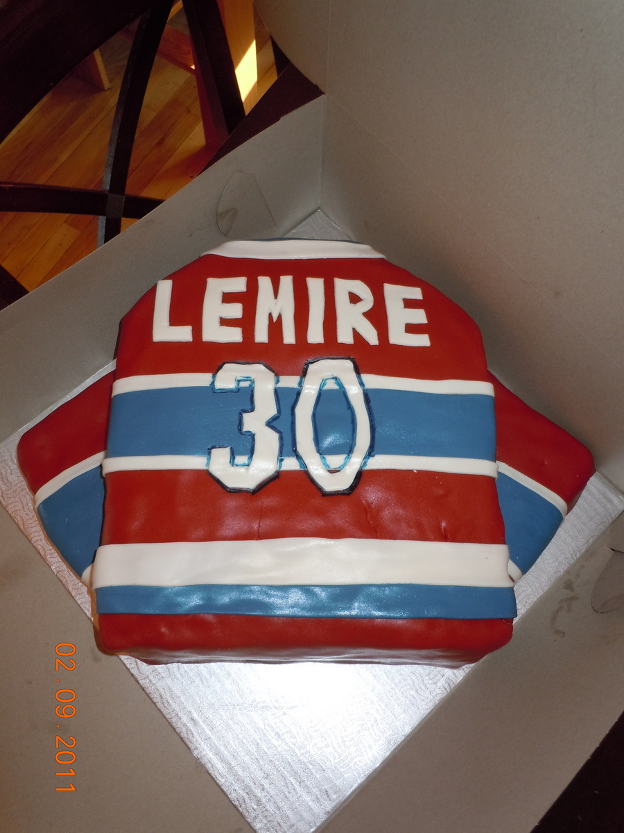 Canadien Shirt on Cake Central