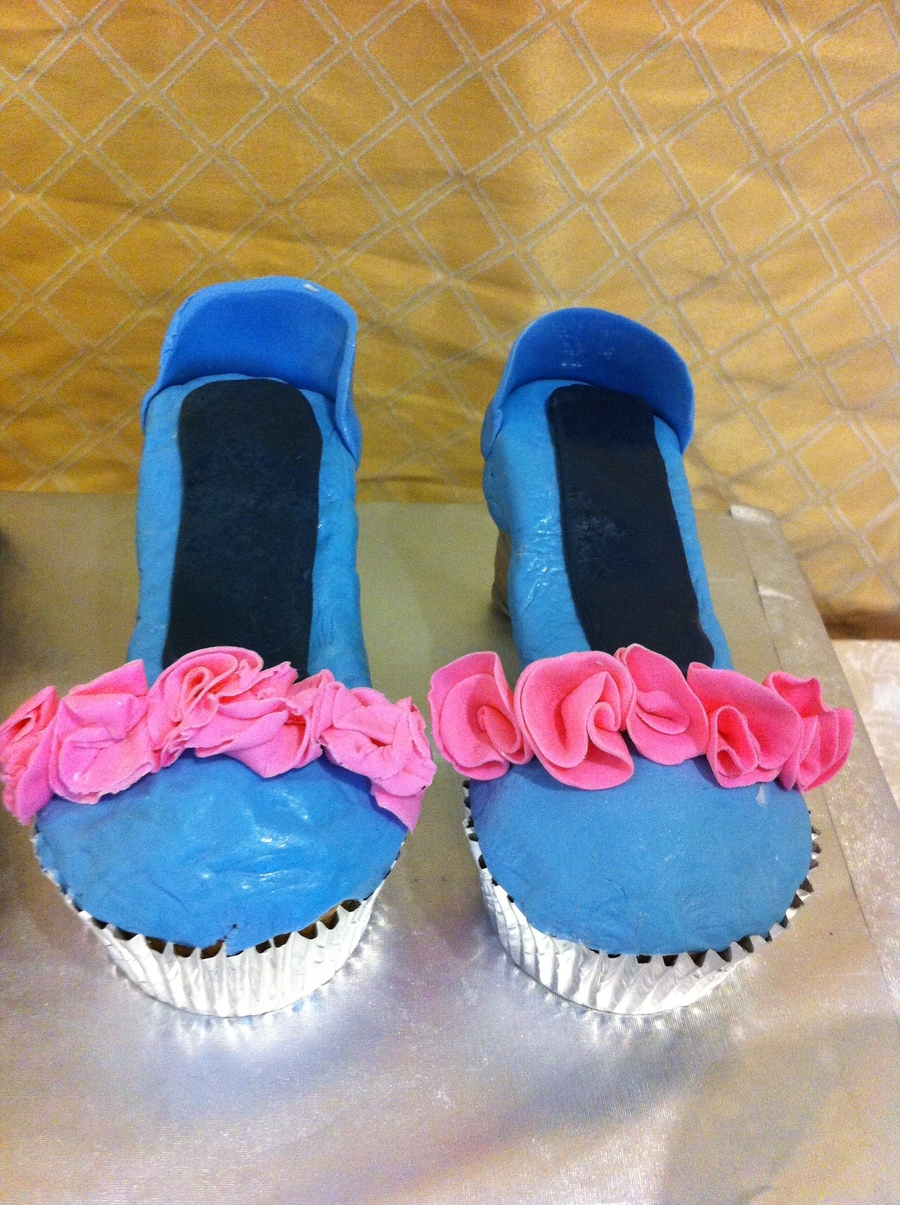 Cupcake Heels on Cake Central