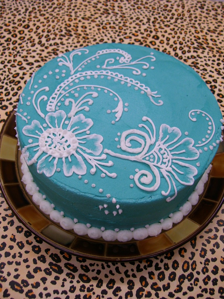 Mehndi Cake Designs : Mehndi design piped buttercream on