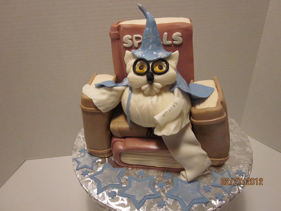 Wizard Owl on Cake Central