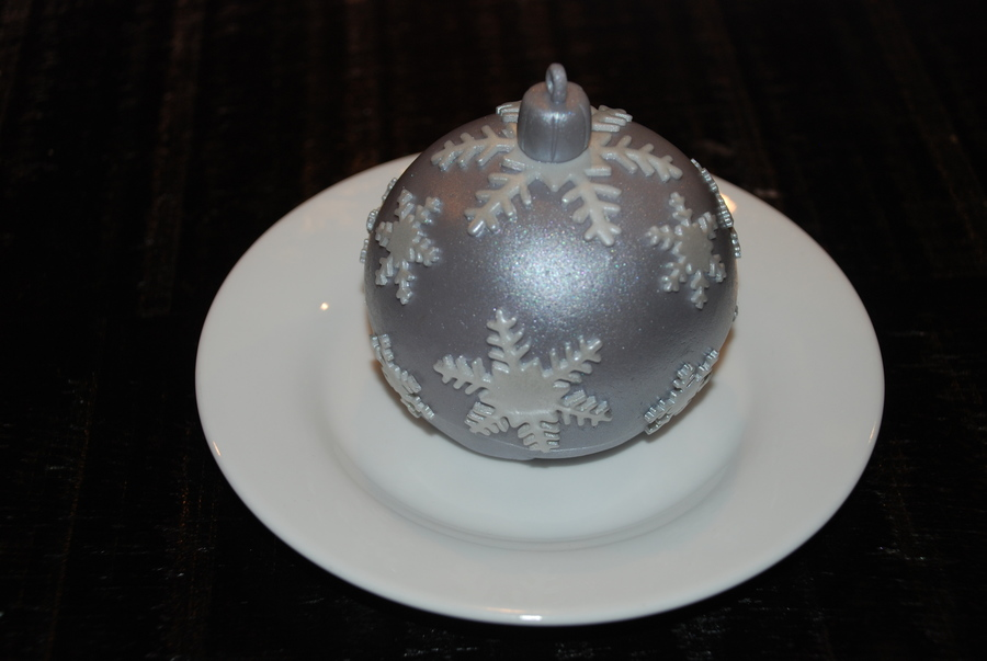 Christmas Ornament Bauble Cakes on Cake Central