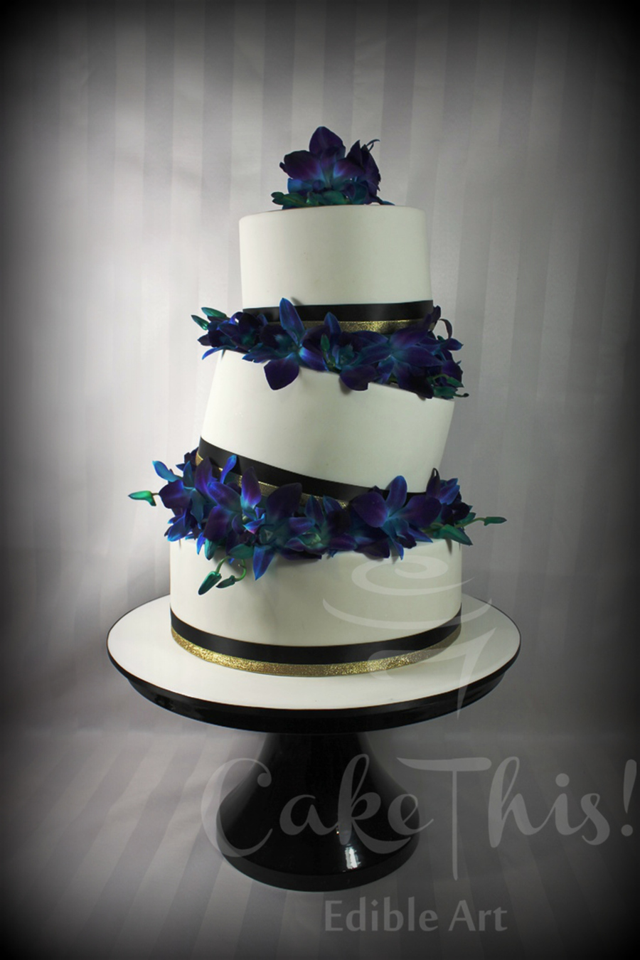 tiered wedding cakes singapore 3 tier topsy turvy wedding cake with blue singapore 20978