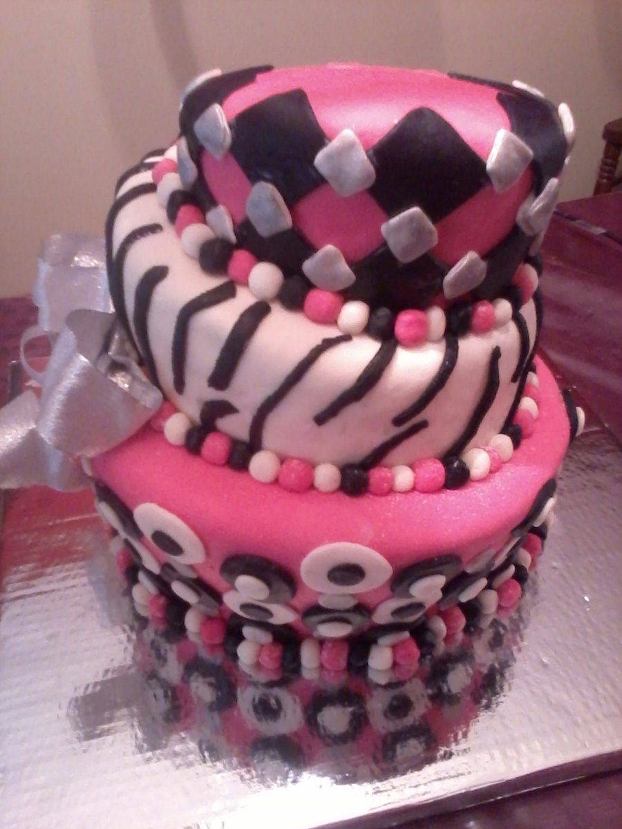 Topsy Turvy Royal (W/out Bling) on Cake Central