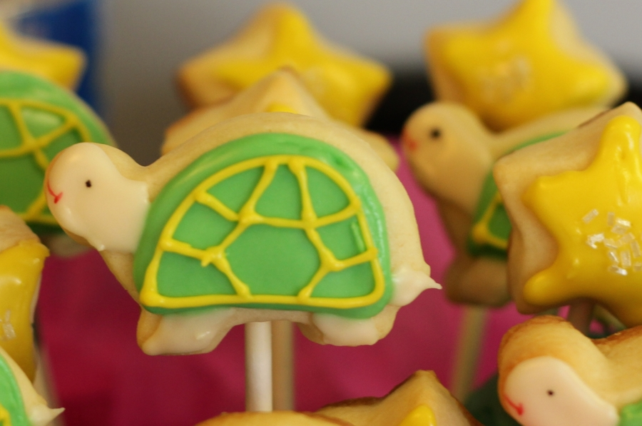 Mini Turtle Cookie Pops on Cake Central