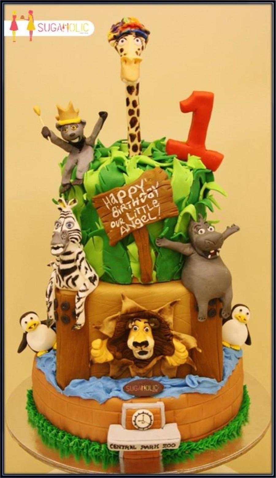 Super Tall Madagascar Cake Cakecentral Com