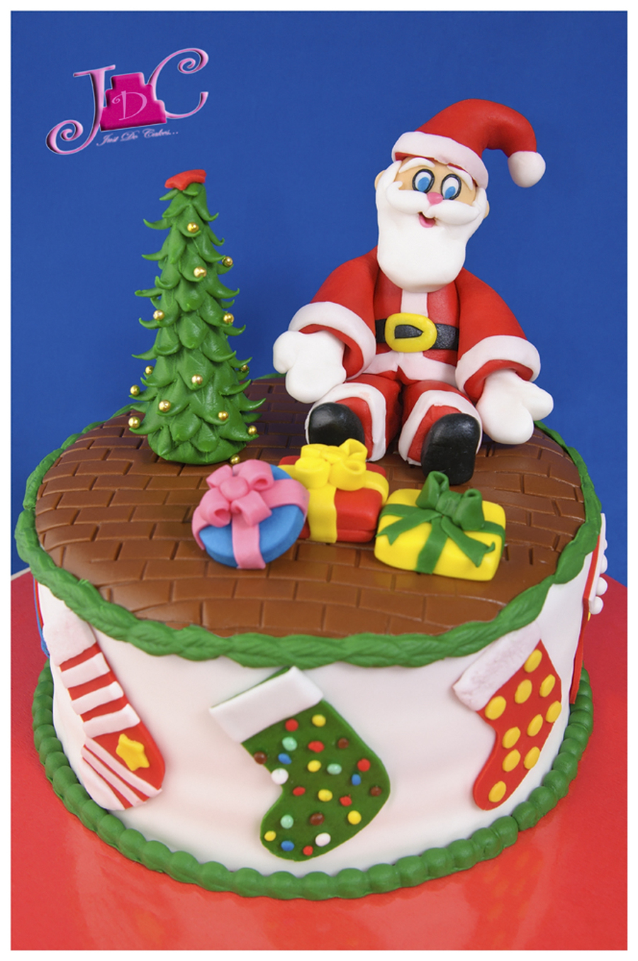 This Is My First Santa Claus I Hope You Like It I Made The Christmas Tree First Then The Cake Then The Santa When I Finished The Whole on Cake Central