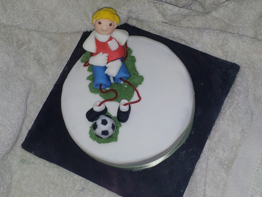 Football String People on Cake Central