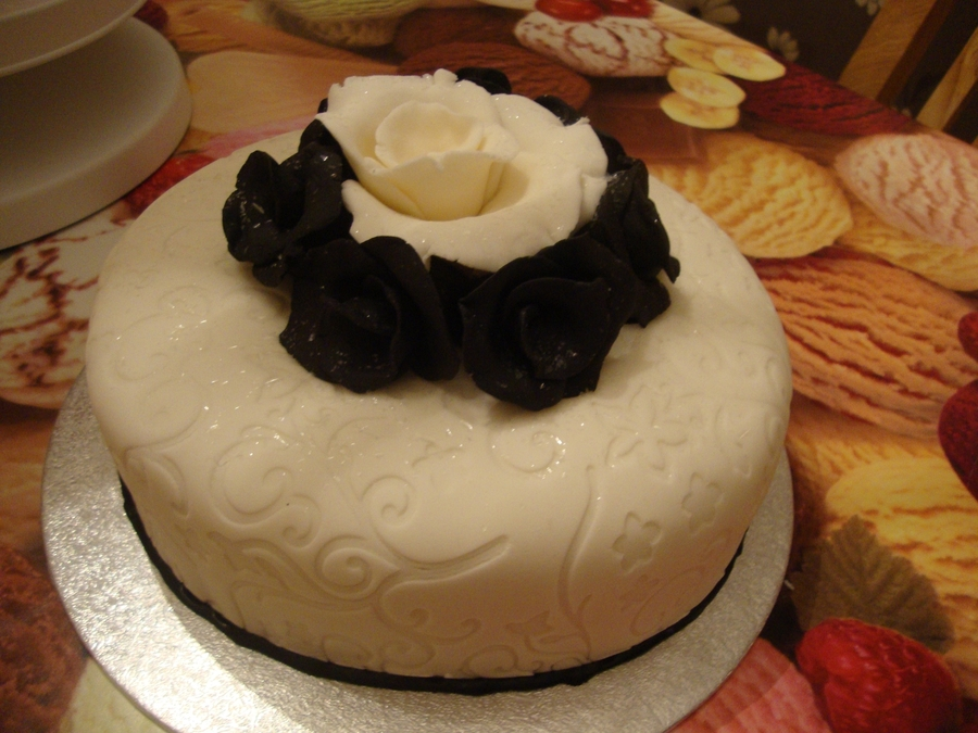 Black And White Cake  on Cake Central