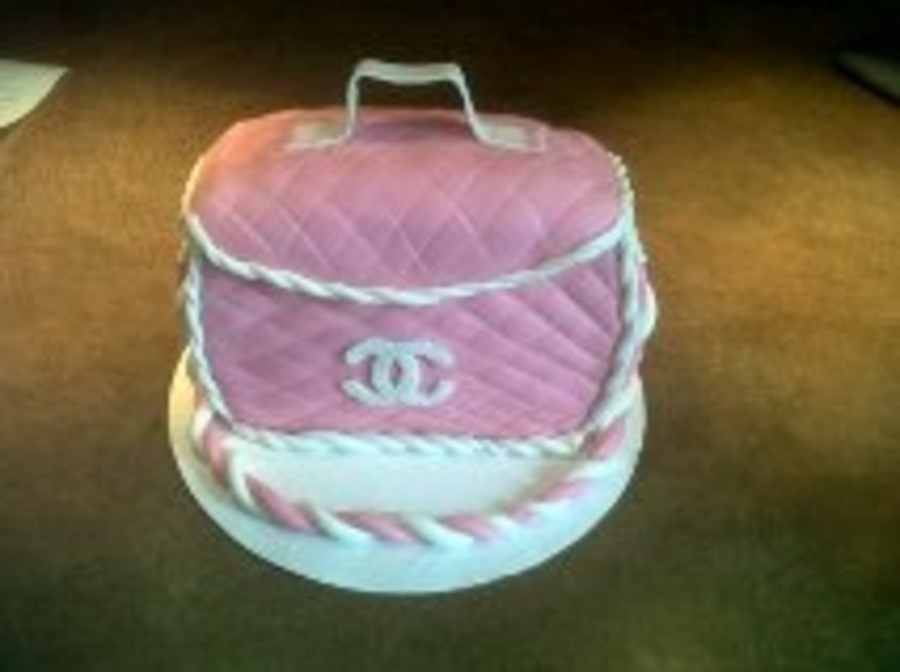 Chanel In Pink on Cake Central
