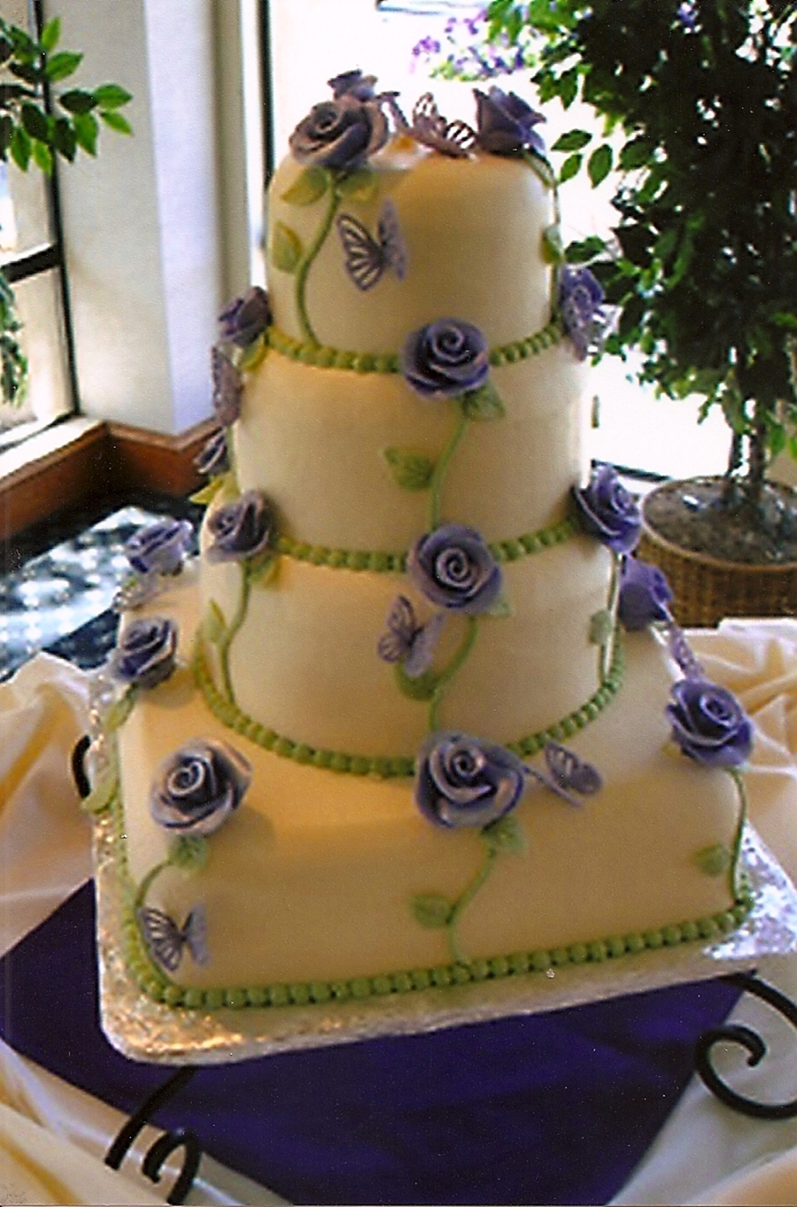 Wedding Cake/roses on Cake Central