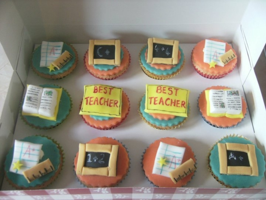 Teacher Cupcakes on Cake Central