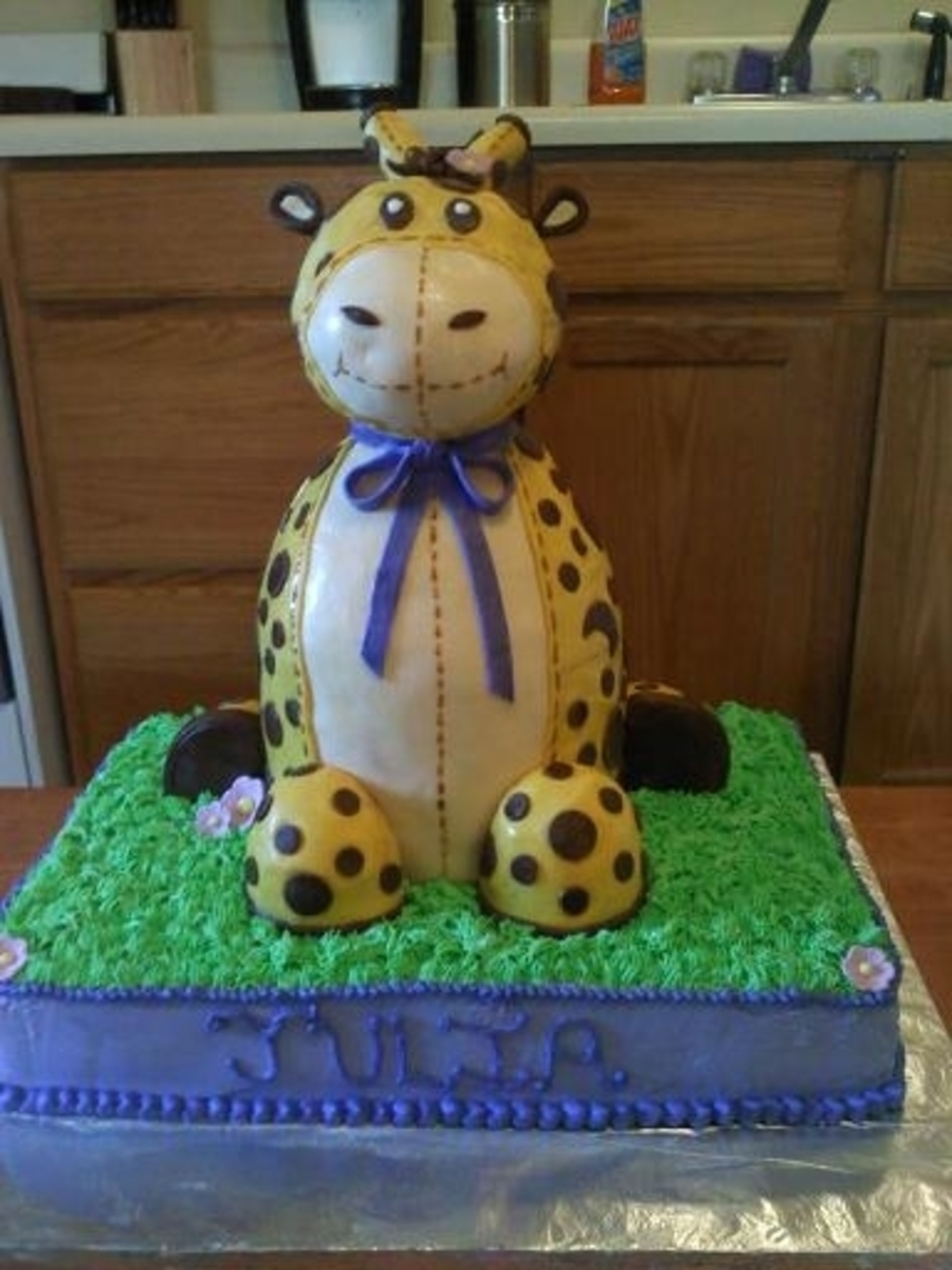 3 D Giraffe on Cake Central
