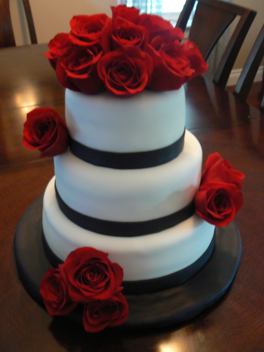 White And Black Cake With Red Roses Cakecentral
