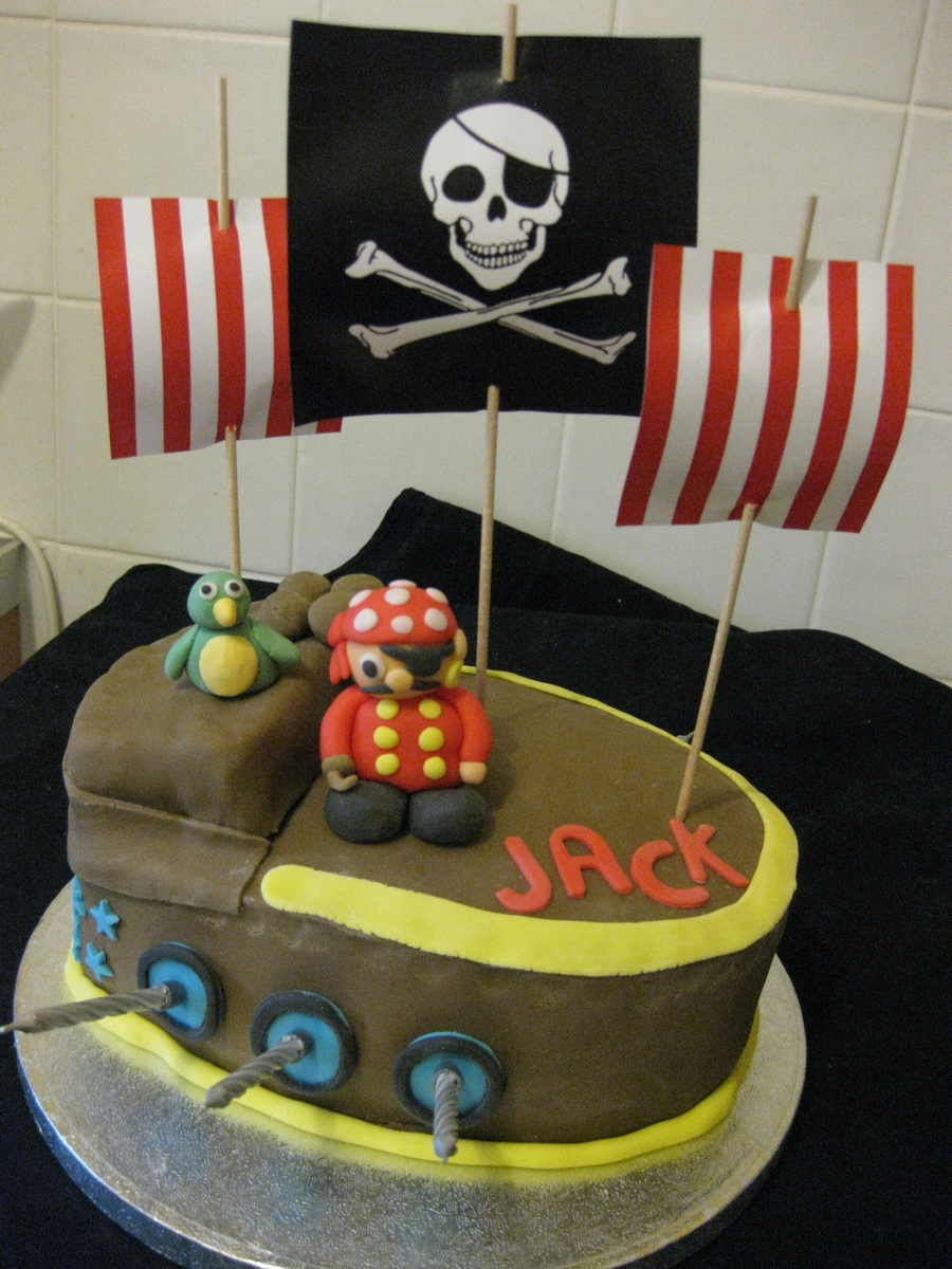 Pirate Ship Cake  on Cake Central