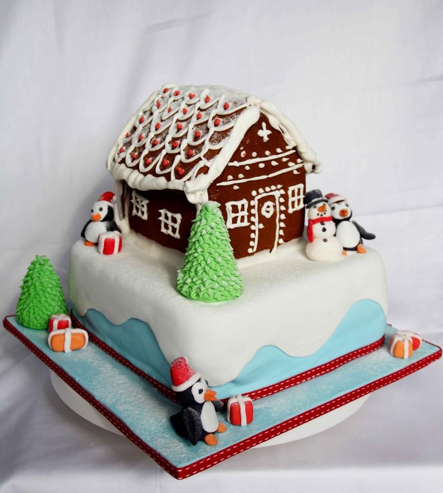 Cake Design Hd : Christmas House Cake - CakeCentral.com
