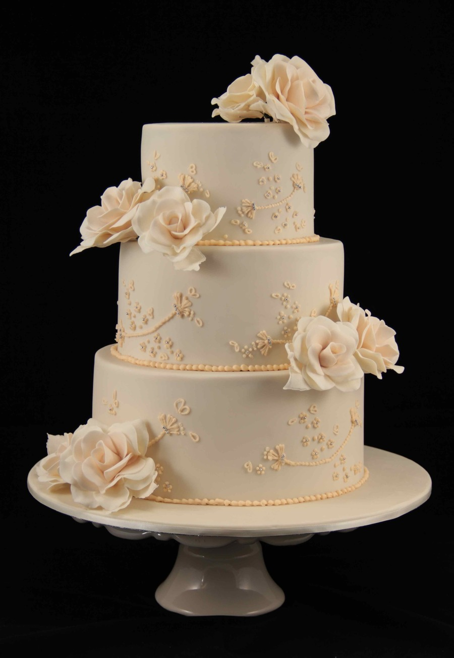 roses on wedding cake wedding cake cakecentral 19304