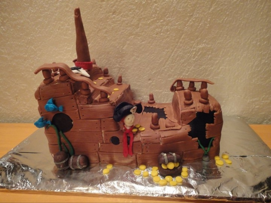 Lost Pirate Ship on Cake Central