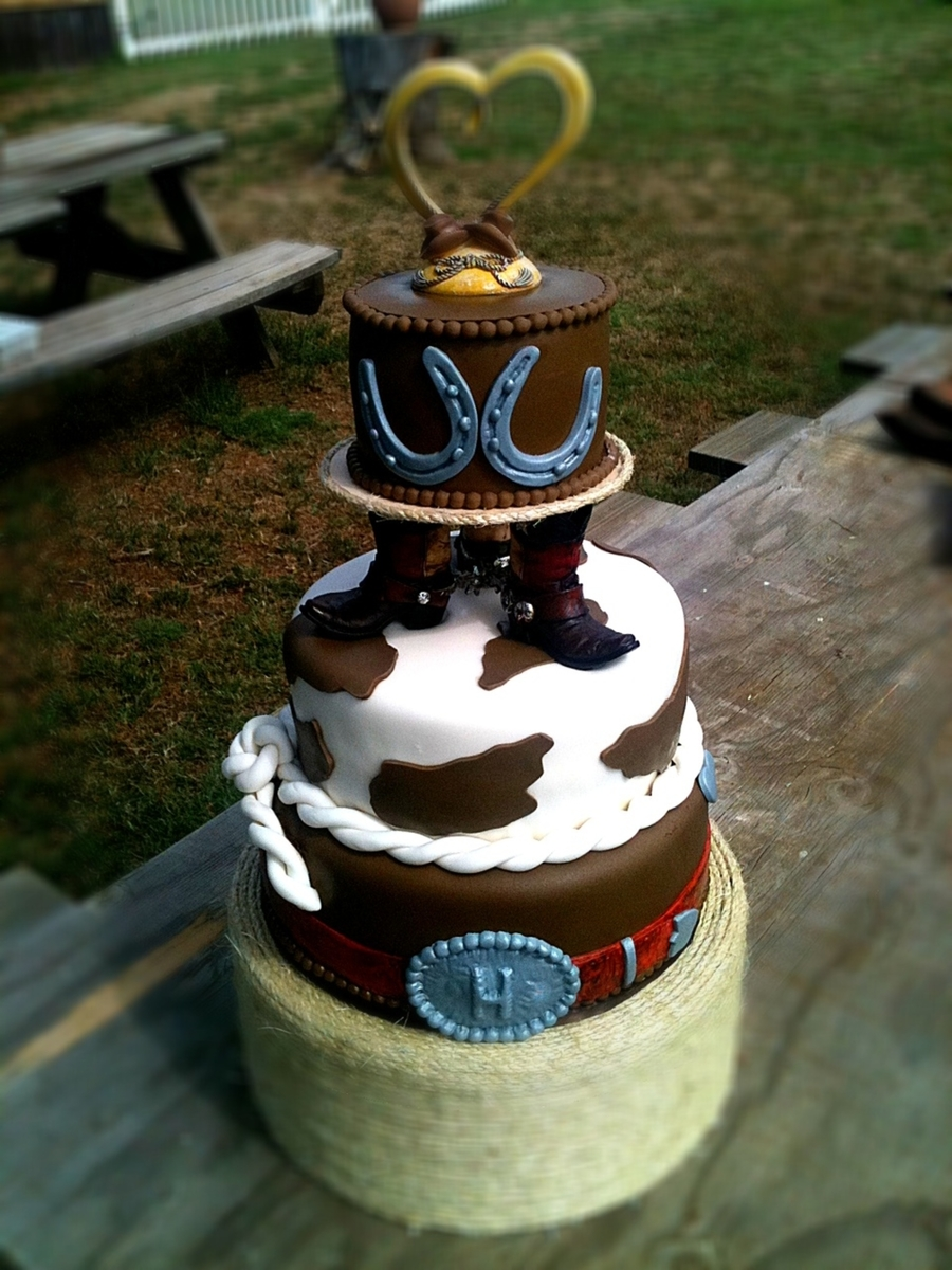 Western Boot  on Cake Central