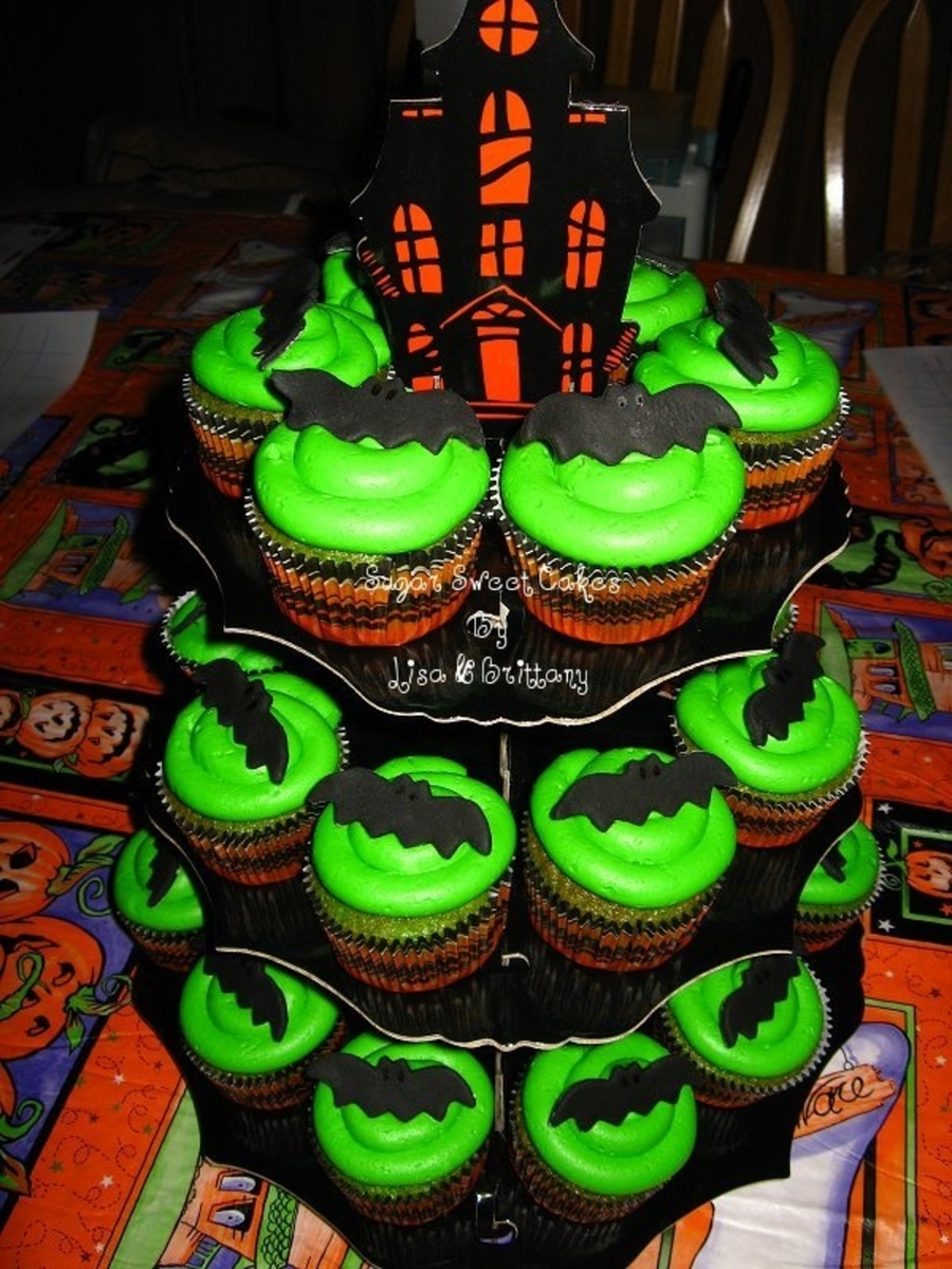 Spooky Bats  on Cake Central