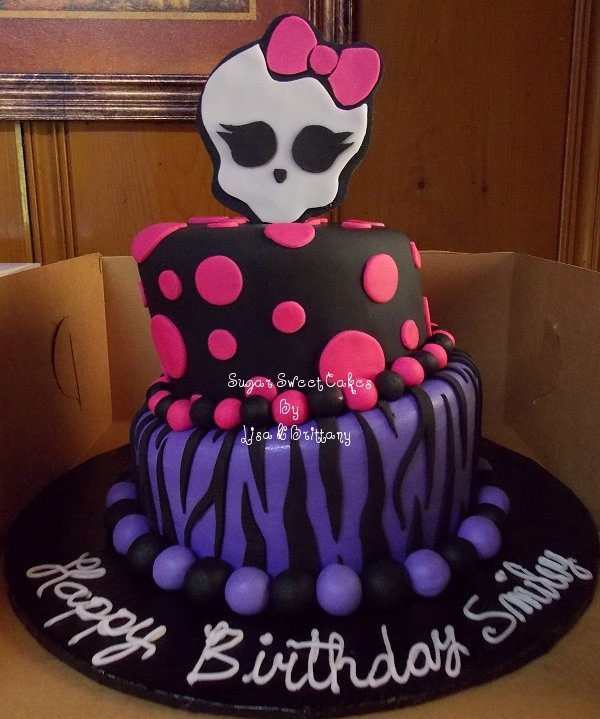 Topsy Turvy Monster High  on Cake Central