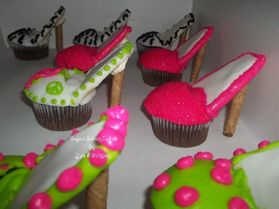 how to make a fondant shoe for cupcakes