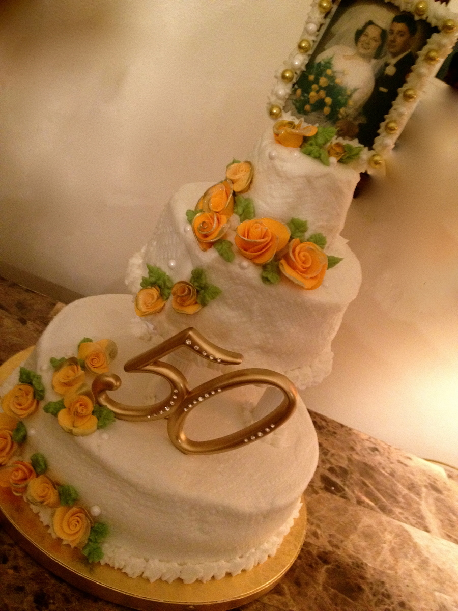 This Was A Hazelnut Cake To Honor The Couples Wedding Place Frankfurt Germany The Photograph Of Couple Taken On Their Wedding Day Was Copi... on Cake Central