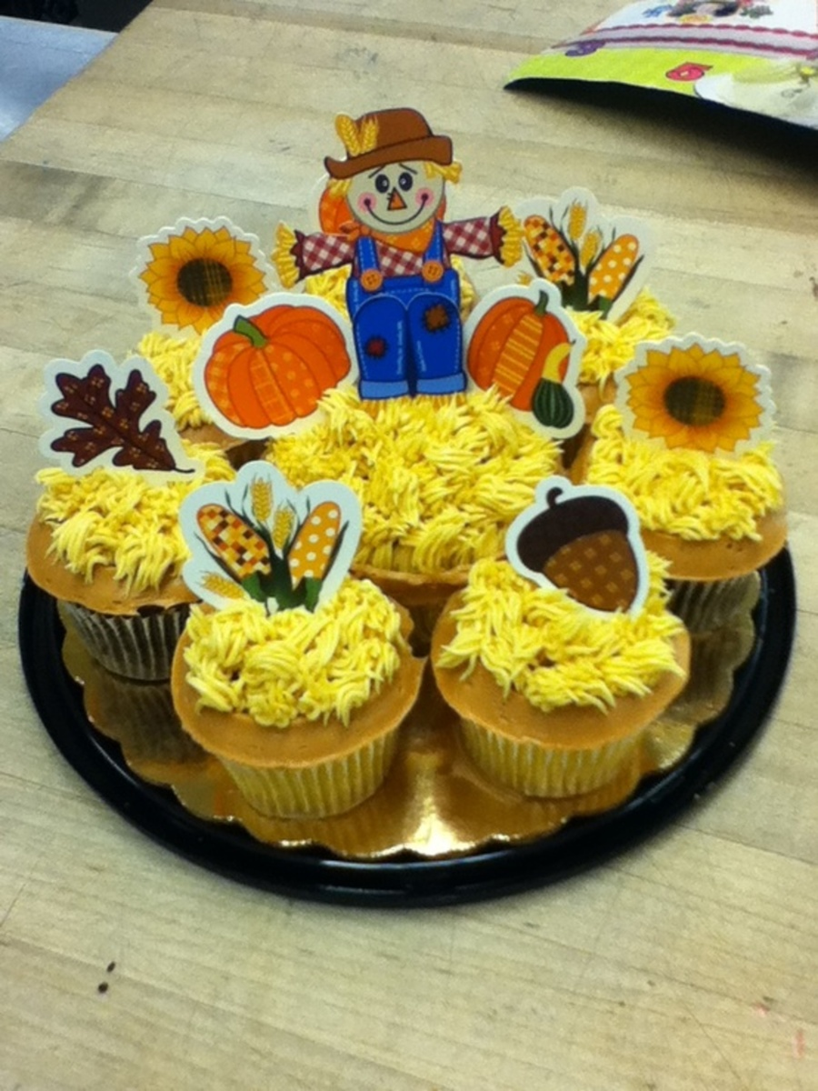Thanksgiving Scarecrow on Cake Central