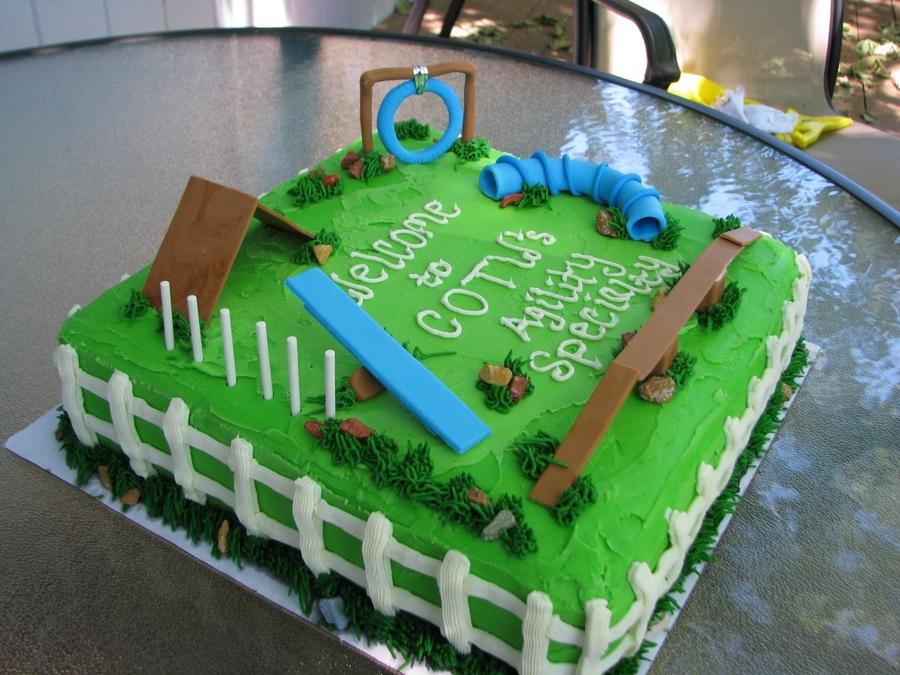Dog Agility Cake - CakeCentral.com