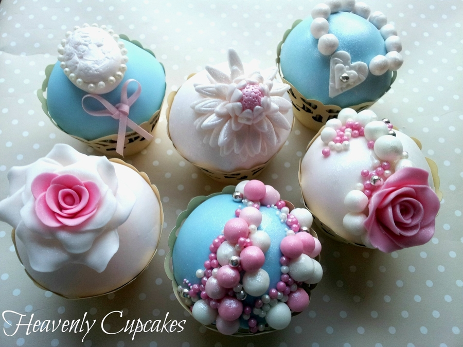 Vintage Style Birthday Cupcakes on Cake Central