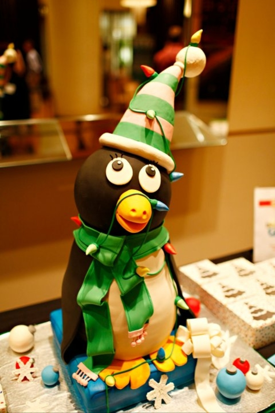 Holiday Penguin on Cake Central
