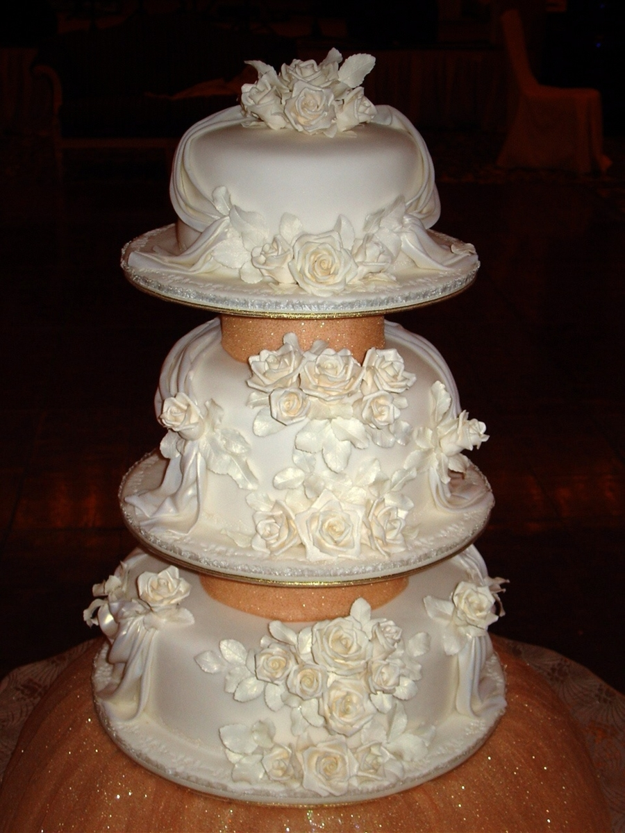 Ivory Roses on Cake Central