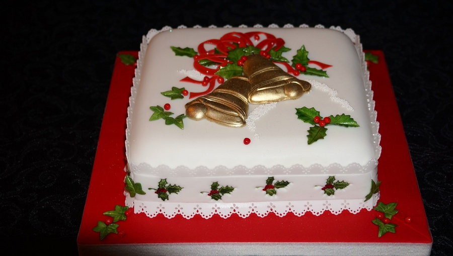 Christmas Bells  on Cake Central