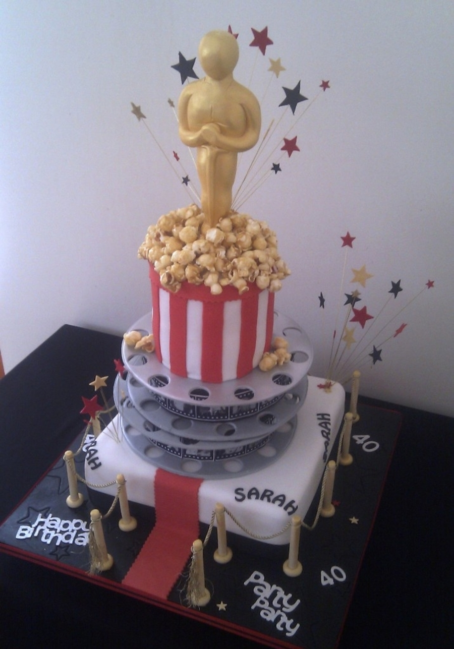 A Night At The Oscars... on Cake Central