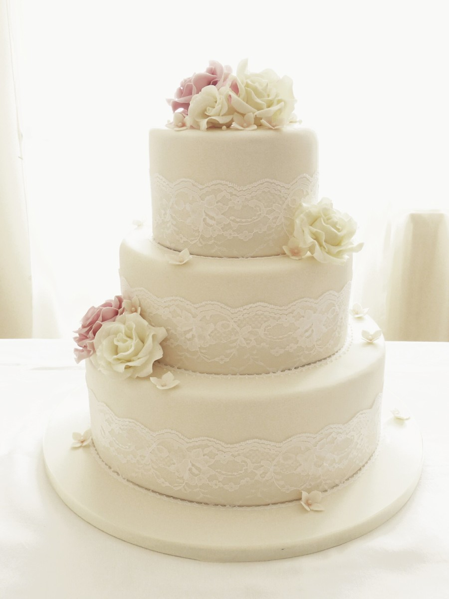 3 tier wedding cake with roses ivory roses and lace three tier wedding cake cakecentral 10350