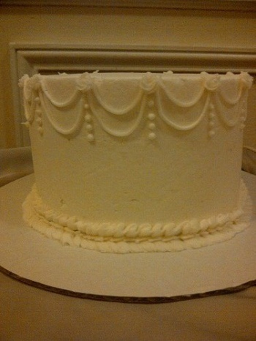 Double Drop String With 3 16 Swirl Points And Ribbon Border on Cake Central