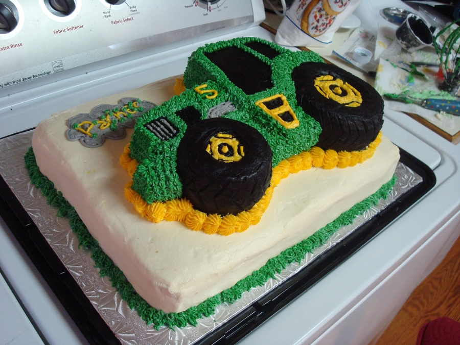 Tractor Cake Decorating : John deere tractor cake cakecentral